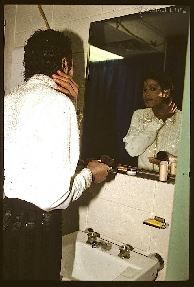 Raridades: Somente fotos RARAS de Michael Jackson. - Página 5 Michael-Thriller-Jackson-lol-the-thriller-era-24797831-671-991