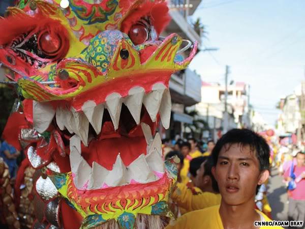 Bí ẩn nguồn gốc của múa sư tử Trung Quốc 120219kpdragon1