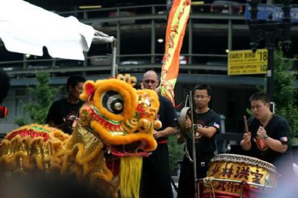 Bí ẩn nguồn gốc của múa sư tử Trung Quốc 3c5120202kpsutu04