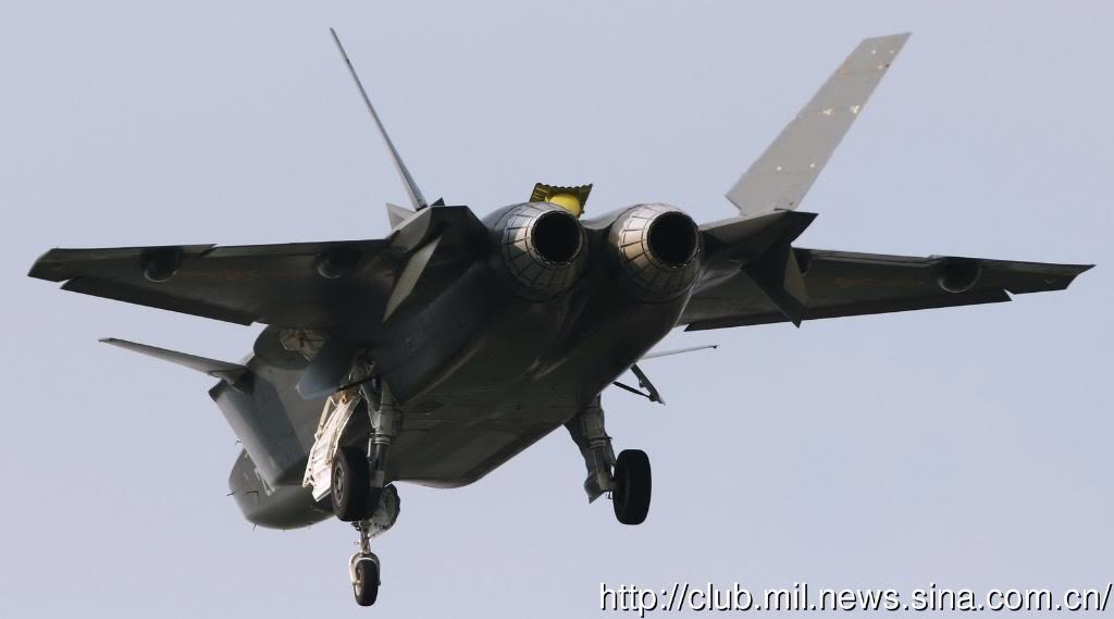 Chengdu J-20 Stealth Fighter - Page 4 J-20back1