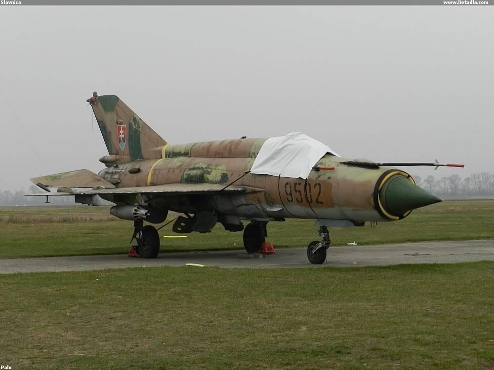 Armée Slovaque  Slovakia-Mig-21