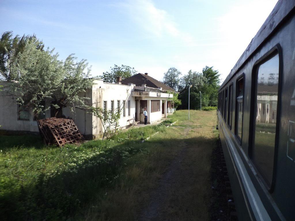 901 : Bucuresti Nord - Titu - Pitesti - Piatra Olt - Craiova - Pagina 5 DSC00397_zps50e259c6