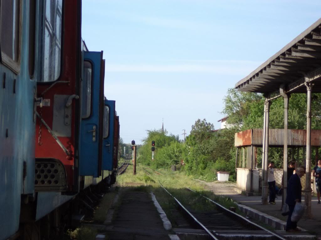 901 : Bucuresti Nord - Titu - Pitesti - Piatra Olt - Craiova - Pagina 5 DSC00406_zps3aee244f