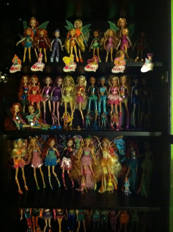 Winx Club Collections - Page 6 CE3faYoUUAAZ2xx_zpskxm5cqti