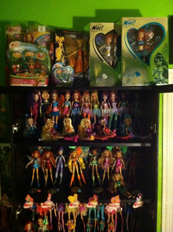 Winx Club Collections - Page 6 CE3faZcUsAASYKe_zpsnjvqq3a8