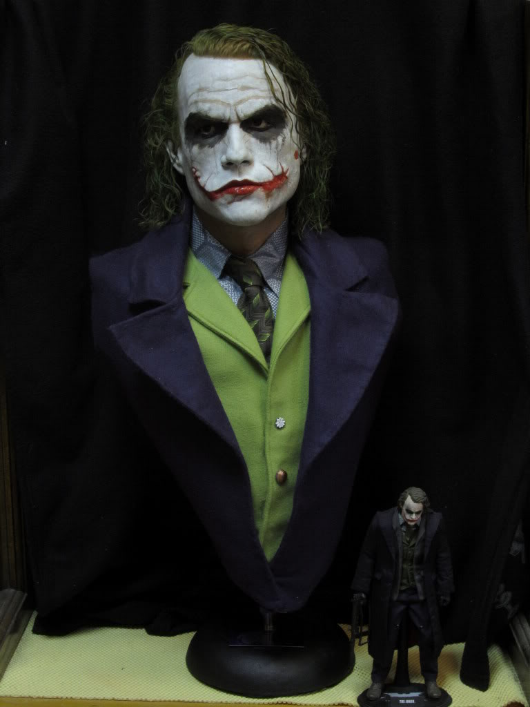 "The Joker ""The Dark Knight"" Life Size Bust par BobbyC IMG_2564"