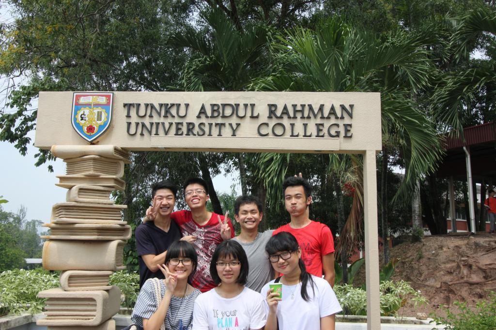 Cảm Nhận Của Học Sinh Về Chuyến Thăm Quan Trường TAR UC Tại Malaysia IMG_0013_zps95f0d672