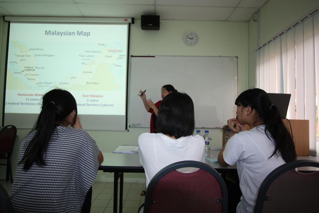 Cảm Nhận Của Học Sinh Về Chuyến Thăm Quan Trường TAR UC Tại Malaysia IMG_0015_zps414661b4