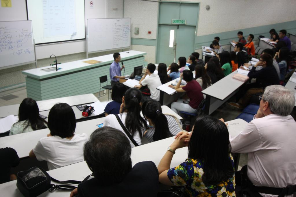 Cảm Nhận Của Học Sinh Về Chuyến Thăm Quan Trường TAR UC Tại Malaysia IMG_9951_zps18a79f98