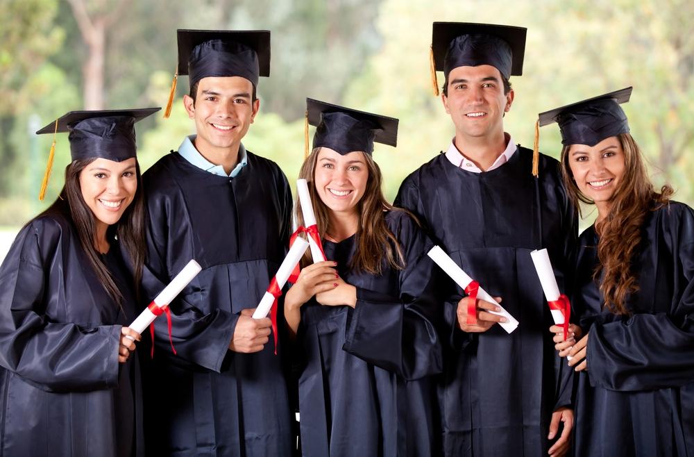 Cơ Hội Nhận Được Bằng Cử Nhân Và Thạc Sĩ Tại University Of South Wales (UK) Với Mức Phí Chỉ £16,800 Graduate_zpsfe105d62