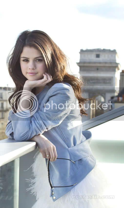 Selena Gomez - Page 6 1413a10