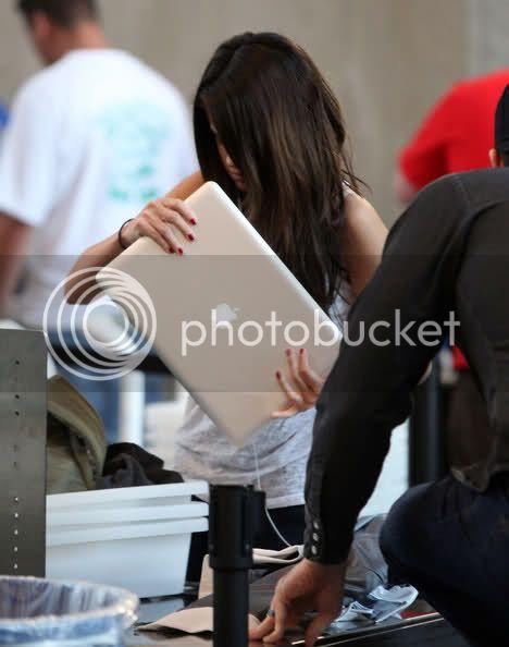 Selena Gomez - Page 5 2dmgi1v