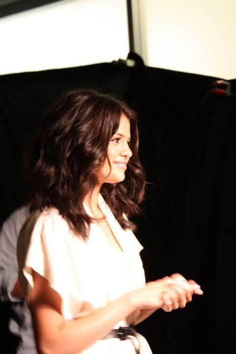 Selena Gomez - Page 6 67431_10150096355397489_86418982488_7650215_6901350_n