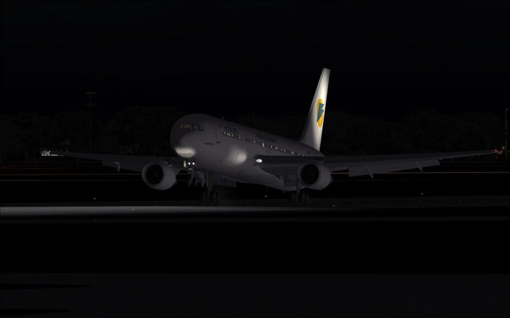 Boeing 767-300ER Aerosvit Shot0013