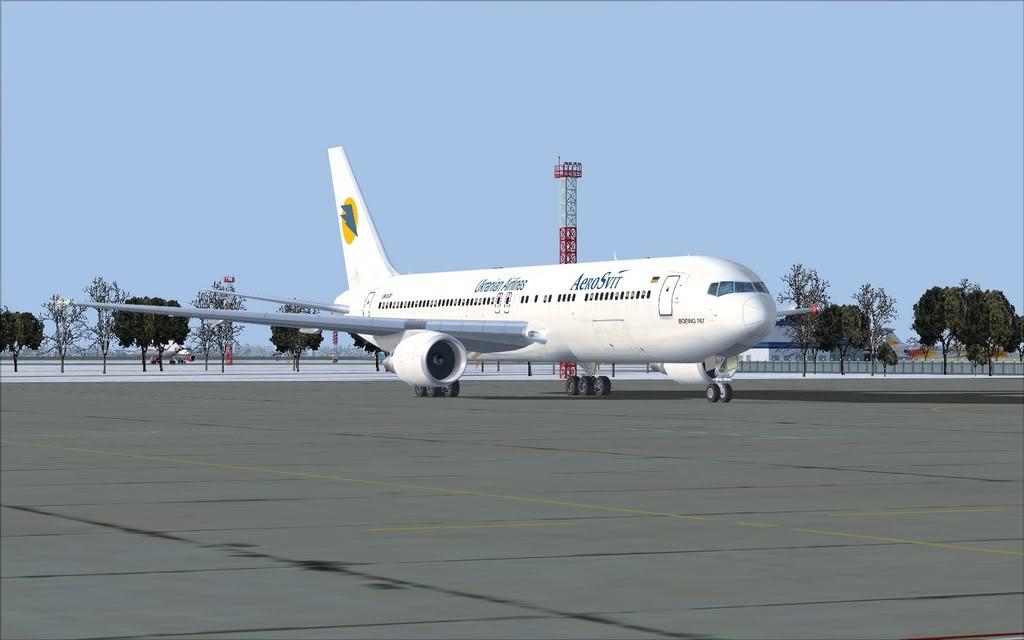 Boeing 767-300ER Aerosvit Shot0017