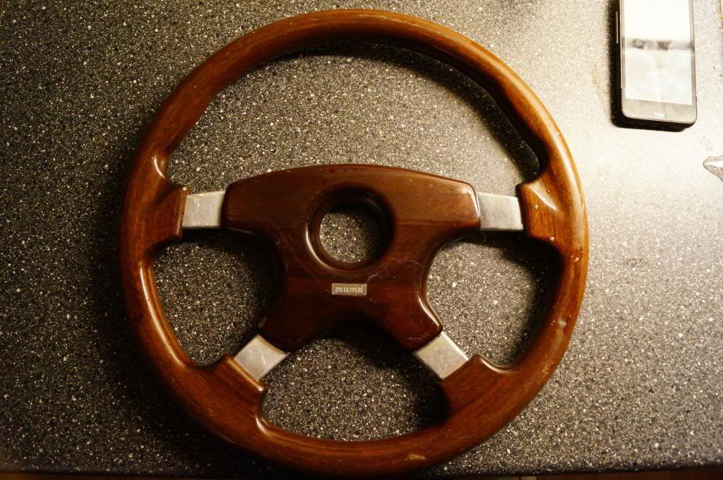 Got an aftermarket steeringwheel DSC09526_zps8c996a5b