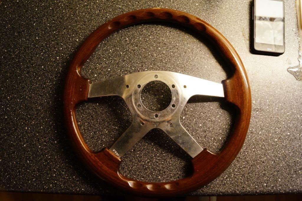 Got an aftermarket steeringwheel DSC09527-1_zpsb523520b