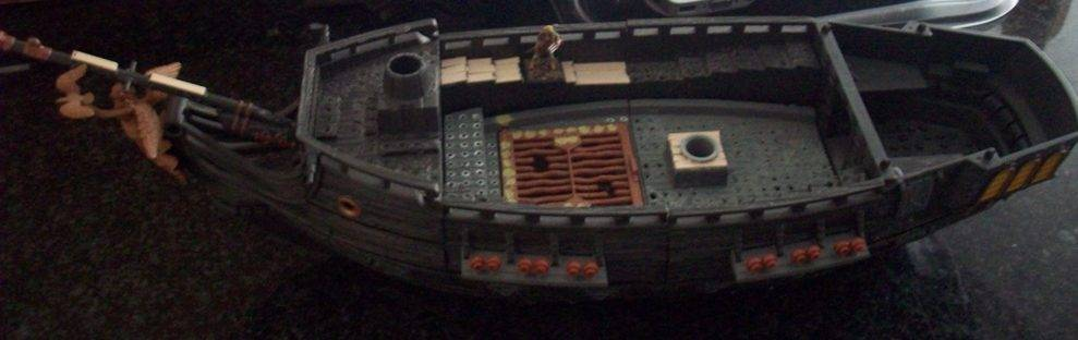 A pirate ship Ship006_zps8ca16b00
