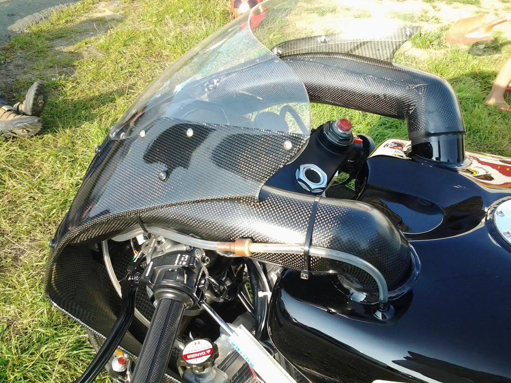 Honda RC 45 - Page 4 20130826_173047_zps0eab65f8