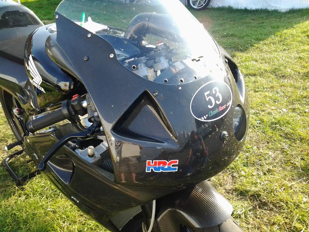Honda RC 45 - Page 4 20130826_173140_zps089e5e1c