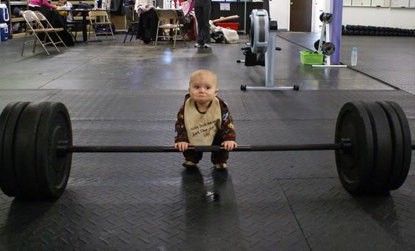 Vos photos amusantes (suite1) - Page 5 Bebe-bodybuilder