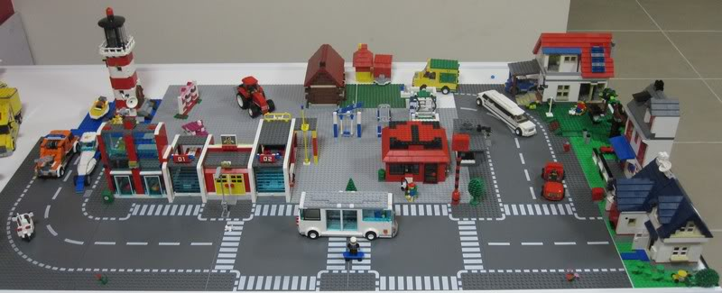 Photos of your Lego collection - Page 2 MyTown