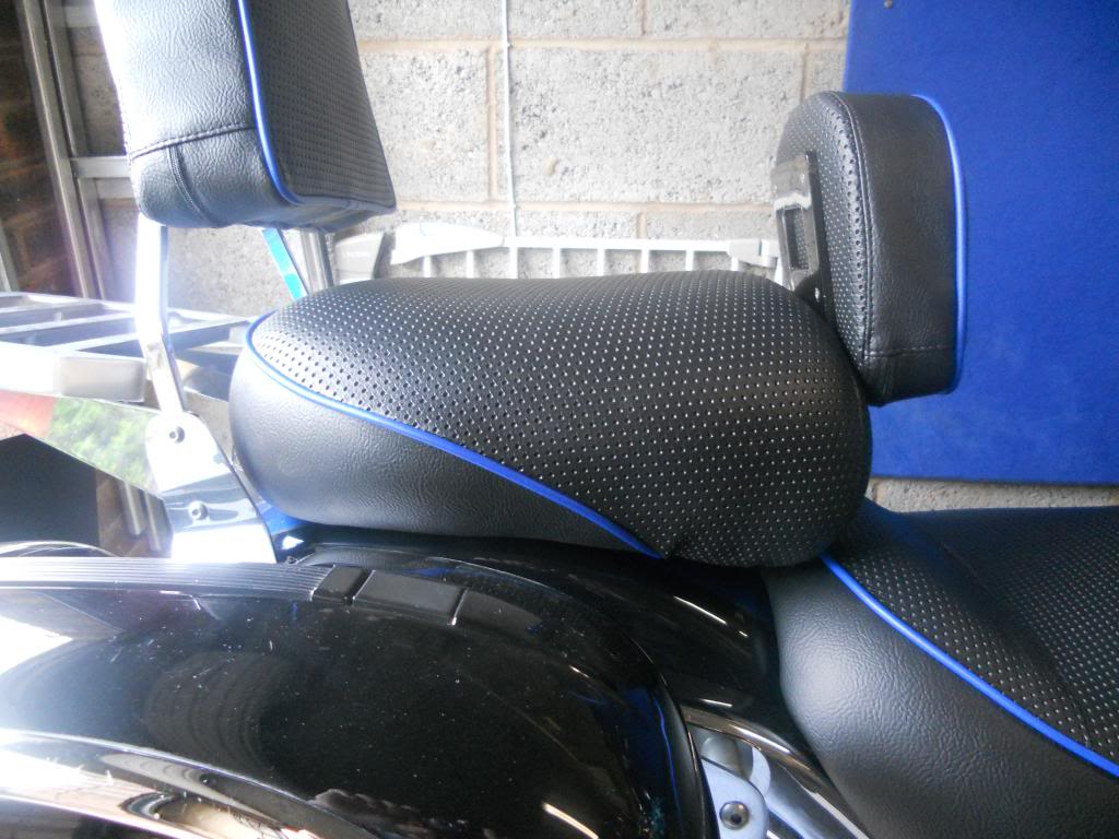 Seat recovering - Suzuki VL800 K3 DSCN0708_zps3b0a408d