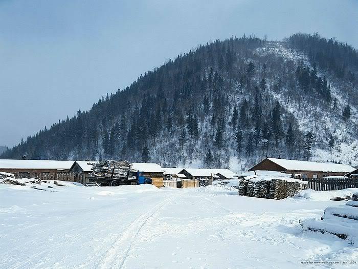 Ita Compound Wallcoo_white_snow_village_V1-023
