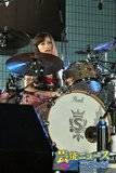 Yoyogi Park free live (09.27.2012) Th_scandal_rina02