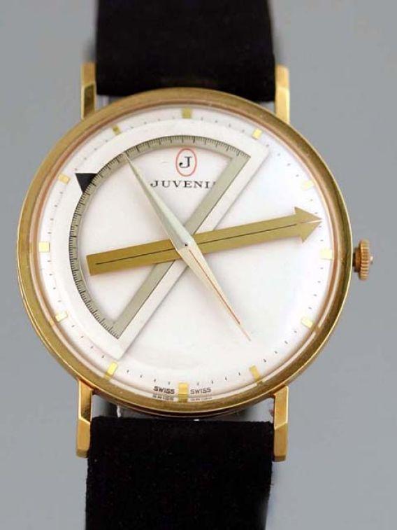 Une montre étonnante, la Juvénia arithmo! JUVENIAarchitectlacotedes