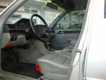 W124 E200 - 1993 - R$ 23.000,00 12
