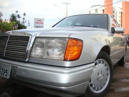 W124 E200 - 1993 - R$ 23.000,00 4