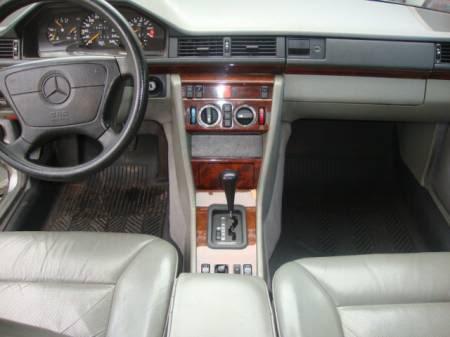 W124 E200 - 1993 - R$ 23.000,00 5