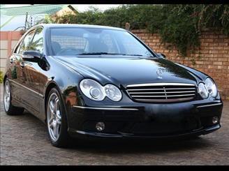 Mercedes Benz C55 AMG 2005/2005  R$109900 MERCEDESBENZ-C-55-AMG-5_5-SEDAN-V8-GASOLINA-4P-AUTOMATICO-72426592011050912402449