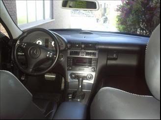 Mercedes Benz C55 AMG 2005/2005  R$109900 MERCEDESBENZ-C-55-AMG-5_5-SEDAN-V8-GASOLINA-4P-AUTOMATICO-72426592011050912405076