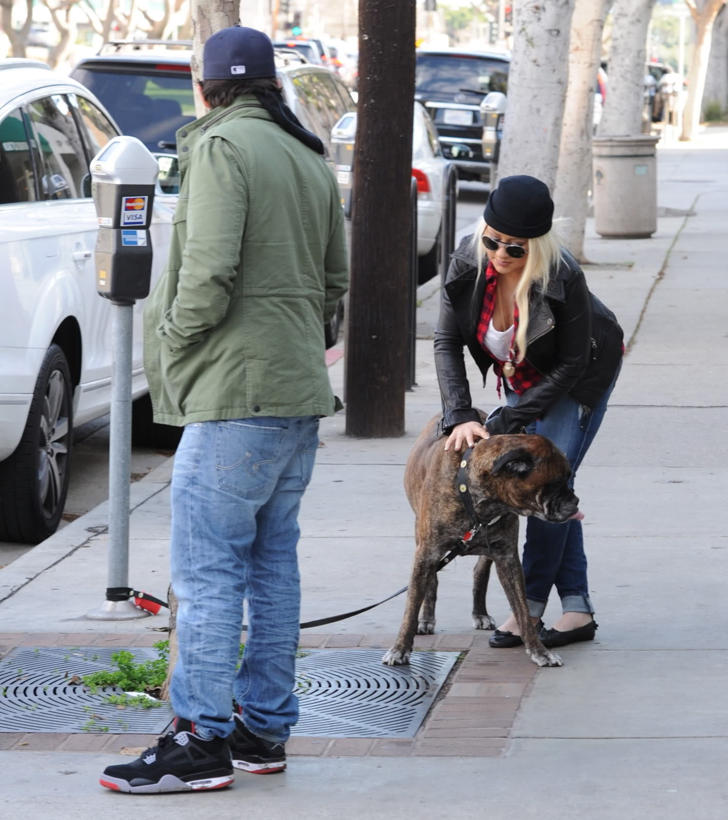 [Fotos] Christina Aguilera y Jordan Bratman se reúnen para Almorzar (9/Feb/2013) Cuj4