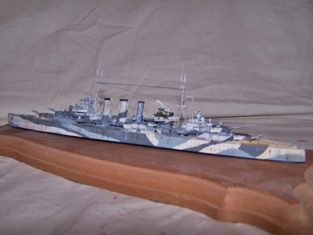 CRUCERO PESADO HMS SUSSEX,EN RESINA 1/700 100_1198_zps23e8990a