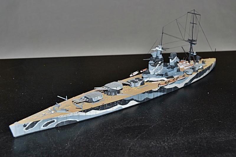 HMS RODNEY TAMIYA 1/700 DSC_0011