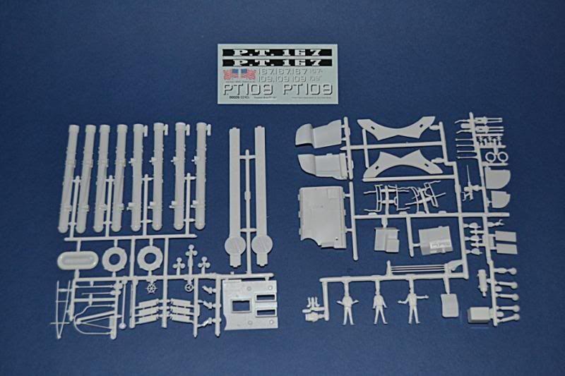 Torpedera PT-167 revell 1/72 con razzle dazzle DSC_0003