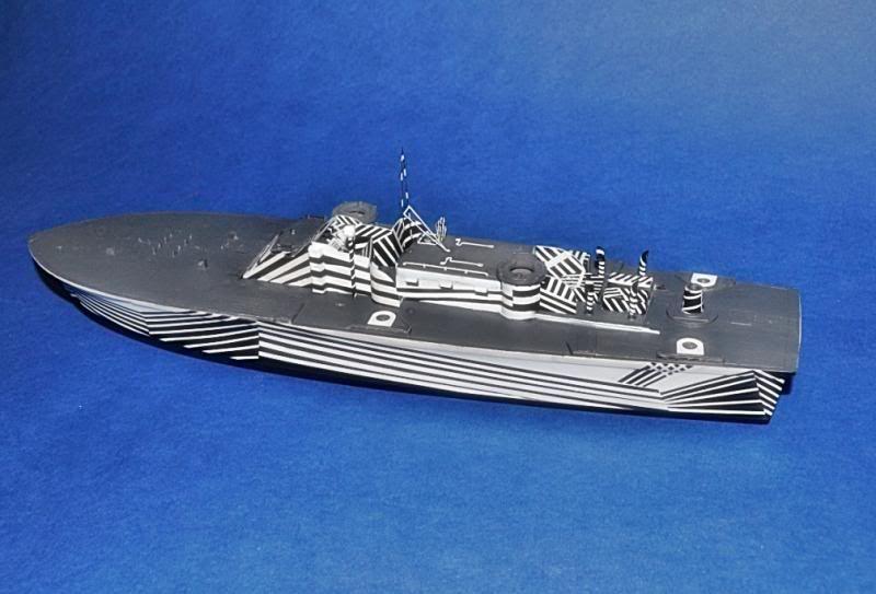 Torpedera PT-167 revell 1/72 con razzle dazzle DSC_0010-2