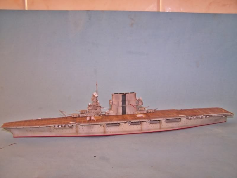 USS SARATOGA CV-3 TRUMPETER 1/700 - Página 2 100_8923
