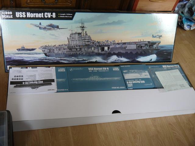 uss hornet 1/200 merit P1020457
