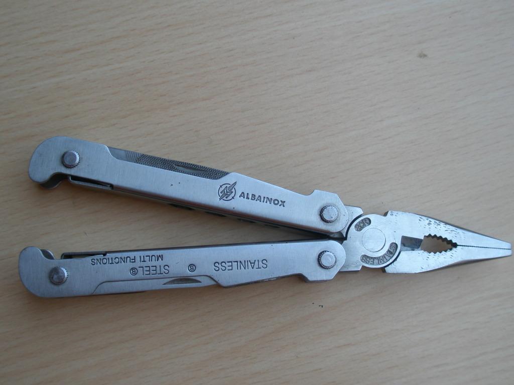 Mi nueva adquisición multi herramienta ALBAINOX + funda +mini multi herramienta=10€ P5170017