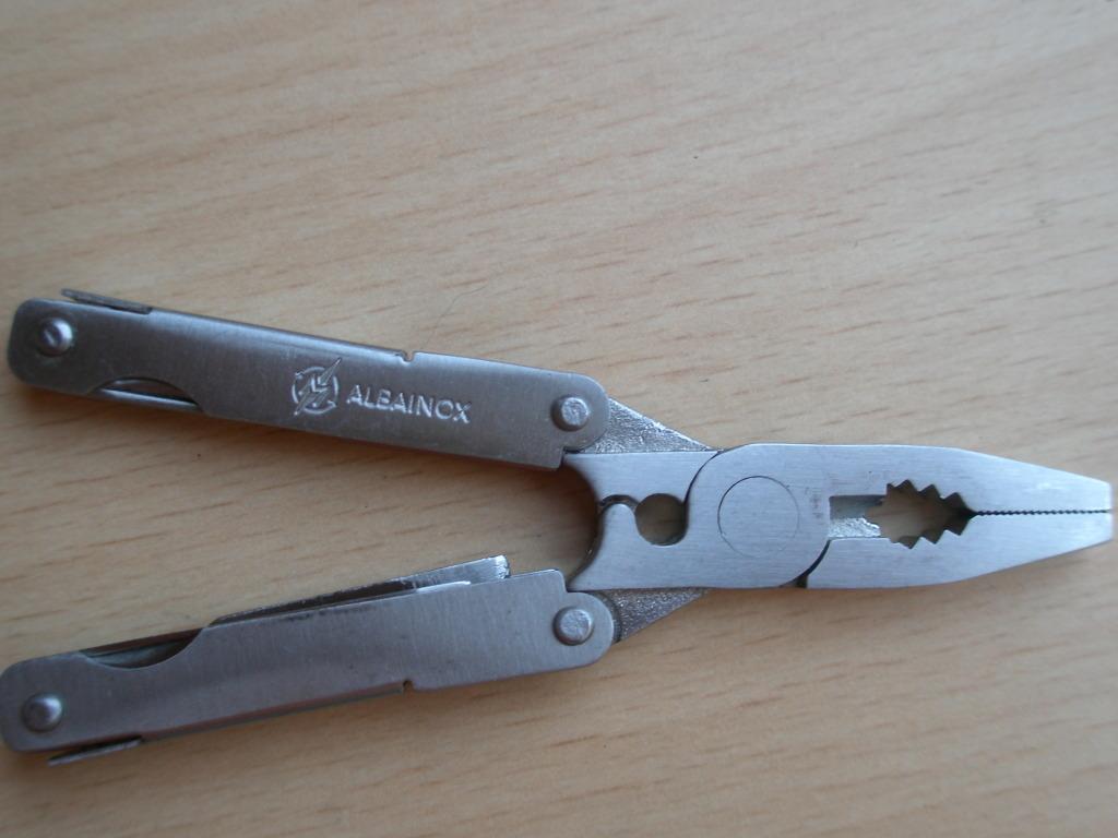 Mi nueva adquisición multi herramienta ALBAINOX + funda +mini multi herramienta=10€ P5170021