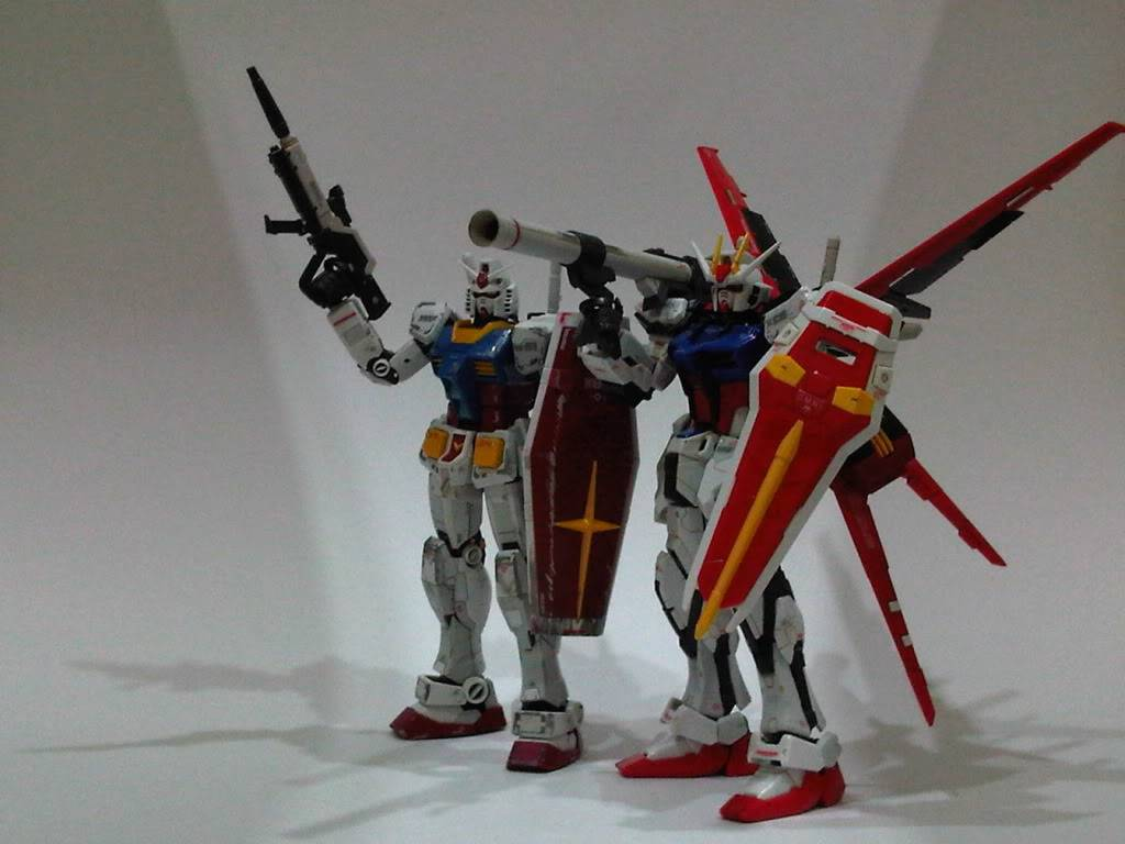 RG 144 Aile Strike and RX-78 IMG05822-20110803-2331