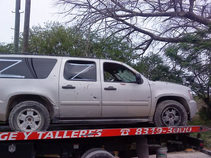5/5/11 Mexican army captures zeta vehicles iat Linares Nuevo Leon.  Linaz12