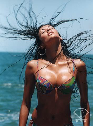 Thread of Federica Guzman - (Beach Beauty at Miss World 2006) Federica_fashiontv4