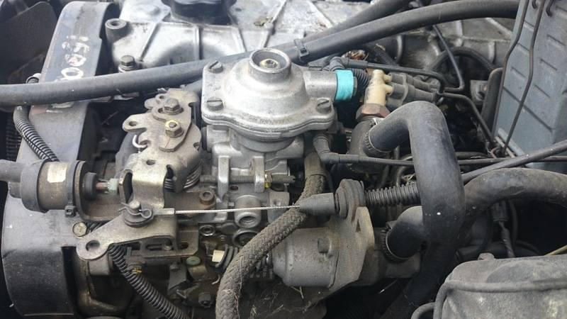 Despiece Cherokee XJ 2.1 Gasoil (motor Renault) DSC_1331_zps0lwojbzg