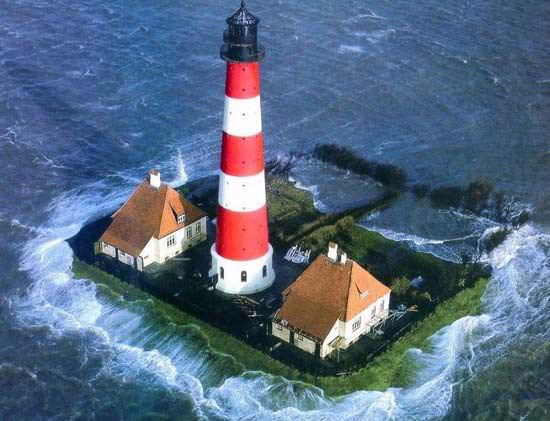 Interesting Images.. - Page 5 LightHouse-1