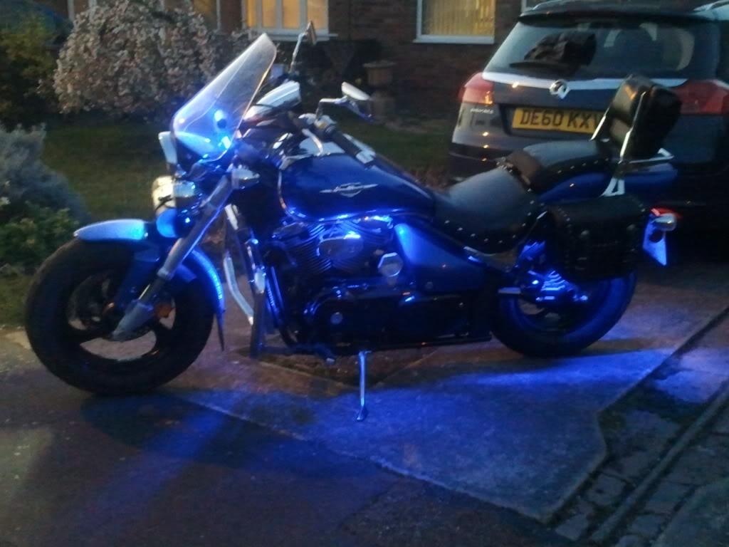Leds at night on .......... Suzuki M50 2012-03-21184736-1